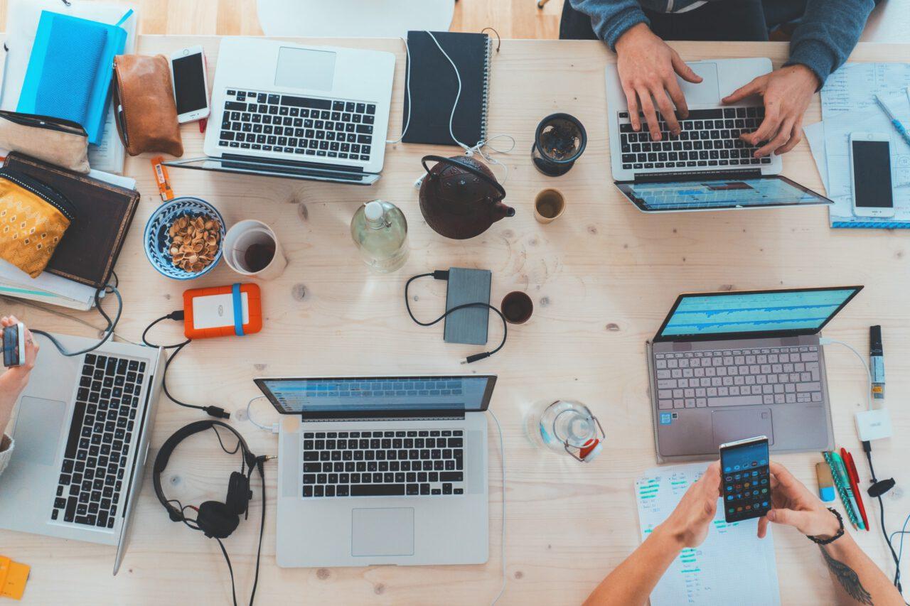 Porady dla biznesu: zadbaj o kulturę pracy i nie buduj podziałów